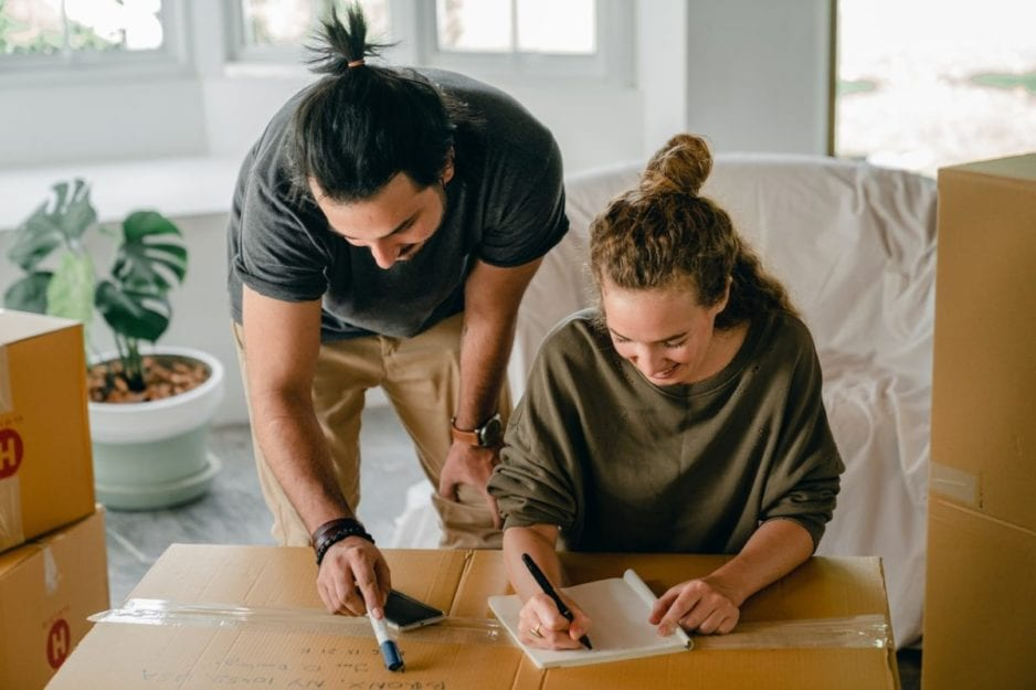 Couple sharing ideas for moving quickly and efficiently