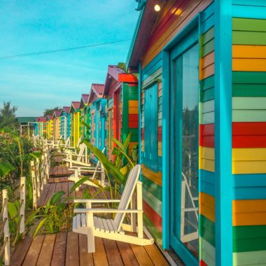 Brightly colored cabins for family summer vacations