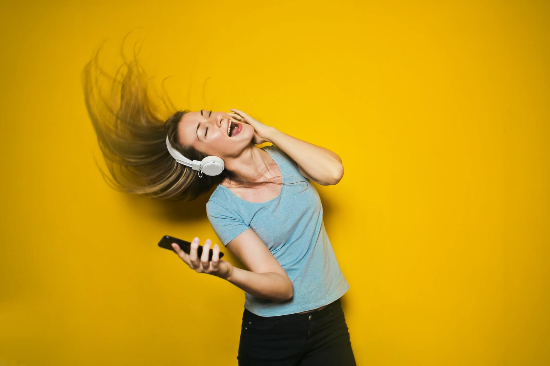 listening to loud music can result in hearing loss