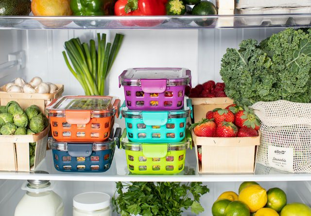 Refrigerator organized for dieting